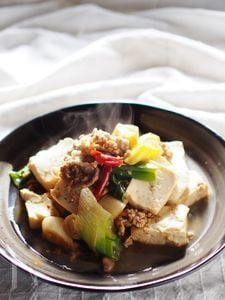 豆腐と下仁田ネギの甘辛煮