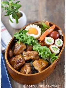 【お弁当】焼き鳥のっけ弁当
