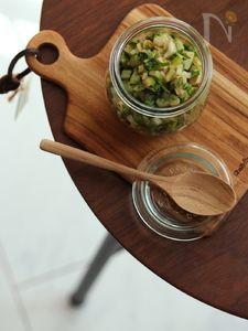 セロリの醤油漬け。