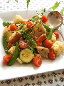 ガーリックベーコンブレッドと温野菜