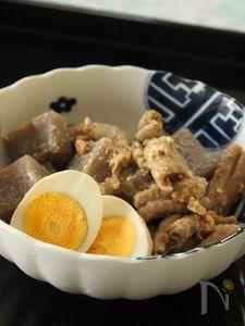 豚ホルモンとこんにゃくの味噌煮