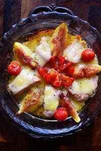 燻製バターとコンテチーズの誘惑秋鮭と無花果のトースター焼