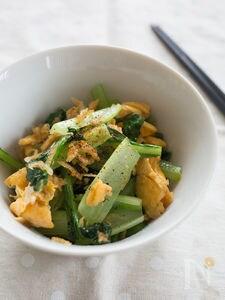 小松菜と卵とアミエビの中華風炒め