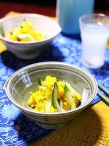 初秋を感じる菊ときゅうりの柚子胡椒和え。