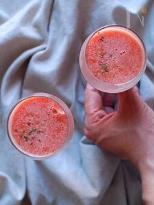 フルーツトマトの冷製スープ。