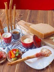 食パンで、パルミジャーノ香るグリッシーニ