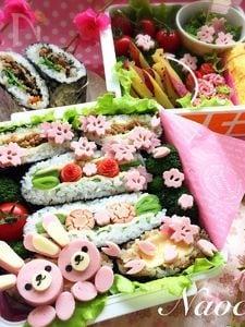 プチデコ★おにぎらずのお花見大箱弁当♬