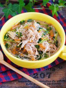 ヘルシー&栄養満点♪『豚バラと豆苗の具沢山♡はるさめスープ』