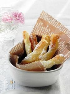 アーモンド&シュガーのスティックパイとチーズスティック
