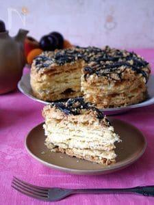 ロシアの名物ケーキ、トルテ・ナポレオン。