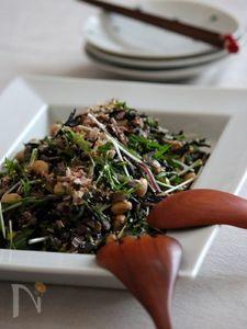 ひじきとお豆の8品目サラダ。
