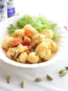 カリフラワーとミニトマトの炒めサラダ(カルダモン風味)