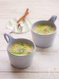 とろとろ玉子とアスパラガスの春雨スープ