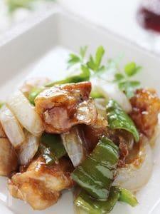 鶏肉とピーマンのバルサミコ酢鶏