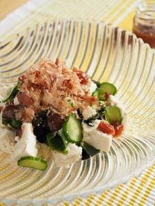 ごま油香る『梅だれ』の豆腐サラダ