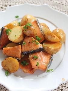 鮭とじゃがいもの醤油バター炒め