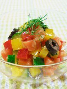 サーモンといろいろ野菜のカクテルサラダ