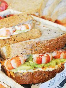 アボカド海老サンド