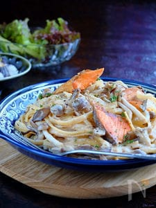 鮭×キノコ☆味噌クリームパスタ!【ワンポットパスタ】