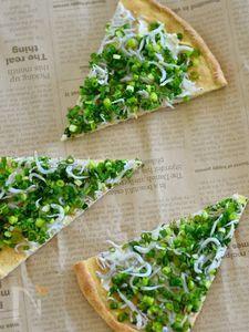 ホットケーキミックスで作る シラスとクリームチーズのピザ