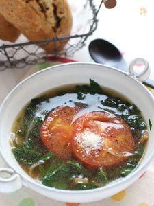 モロヘイヤとトマトのスープ