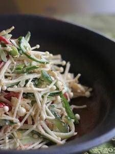 鶏肉とえのきのからしサラダ