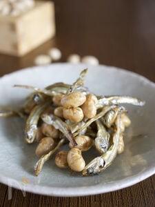 煮干しと炒り大豆の甘辛おやつ