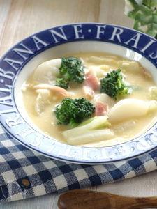 コーンクリーム缶で作る冬野菜たっぷりのスープ