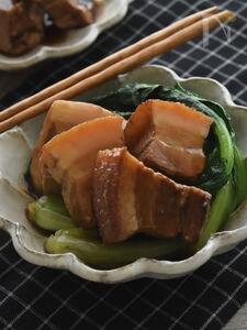 お箸で切れるやわらかさ♪ 基本のトンポーロー(中華風角煮)。