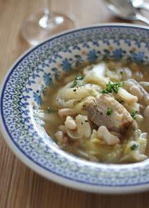 塩豚とキャベツと白インゲン豆の煮込み