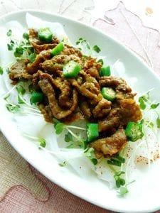 カレー風味の牛肉とひらひら大根のサラダ風