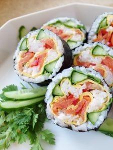 スモークサーモンの薔薇巻き寿司恵方巻きにも?