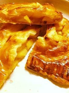 パイシートでかんたん甘さ控えめアップルパイ。