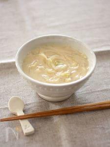 しょうが風味♪白菜と玉ねぎの豆乳みそ汁