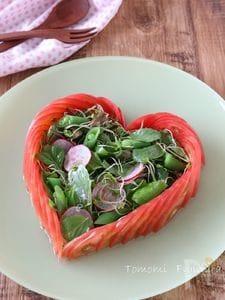 トマトのハートサラダ
