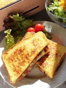 ホットプレートで「チーズコンビーフポテトのフレンチトースト」