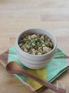すし酢で簡単☆かぶの茎と鶏挽き炒め