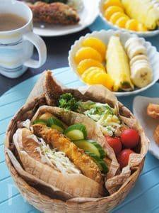 食パン一枚で作るフライドイワシと野菜の厚盛りサンドイッチ