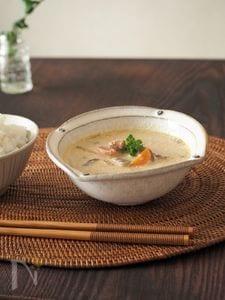 さばみそ缶とごぼうの豆乳スープ♪(出汁不要)