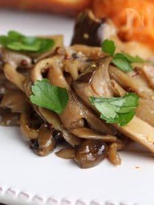 BalsamicMashrooms きのこのバルサミコマリネ