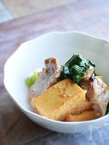 10分コク旨。豚ばら、厚揚げ、チンゲン菜のオイスター炒め