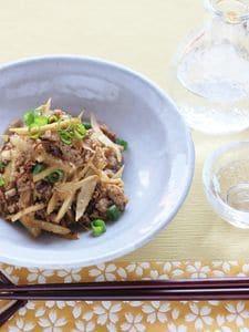 新ゴボウと豚挽き肉の炒め物