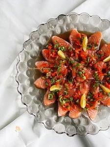 鮮魚のパプリカカルパッチョ