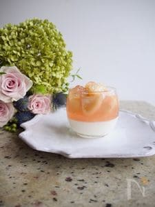 桃のコンポートで作る!2層のブランマンジェ