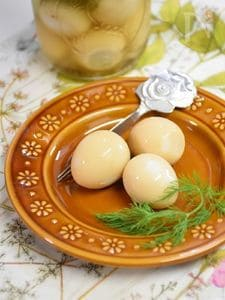食べるとクセになる!うずらの卵のピクルス