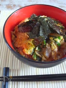 白菜とニラの卵とじ丼