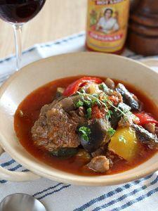 牛すじ肉と夏野菜のトマト煮