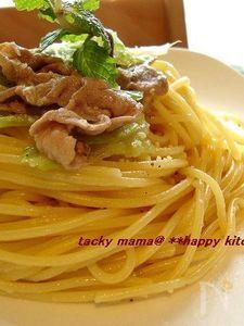 豚肉とレタスの中華風パスタ