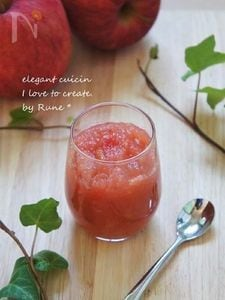 シナモンほんのり香るピンク色リンゴジャム