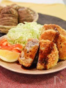 里芋とひき肉の焼きコロッケ。里芋のねっとり感が美味しい♪